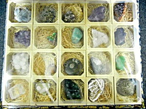 Mineral & Rock Sample Set of 20 pieces  (Image1)