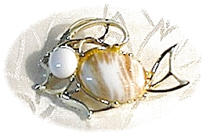 Gold Flecked White Glass Fish Pin Brooch (Image1)
