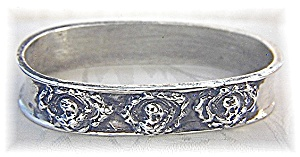 Napkin Ring Sterling Silver Cherub Faces  (Image1)
