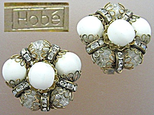 HOBE Crystal and White  Bead Clip Earrings (Image1)