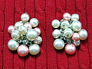 Pearl Cluster Clip Earrings APA mark Pink Cream (Image1)