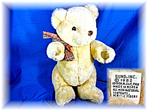 Gund 1982 13 inch plush jointed Teddy Bear. (Image1)