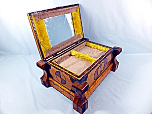 Tramp or Prison Art Jewelry Box  (Image1)