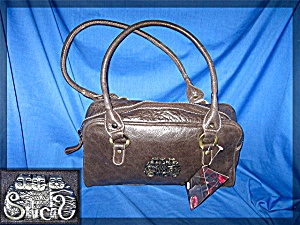 Laurel Burch Fantastic Felines Leather Handbag. (Image1)