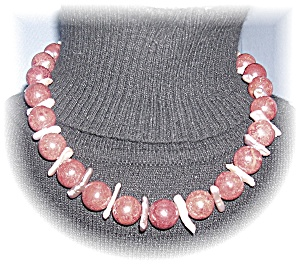 Spongecoral Necklace With Baroque Pink Pearl