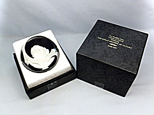 Franklin Mint Baccarat Paperweight, Louis XIV (Image1)