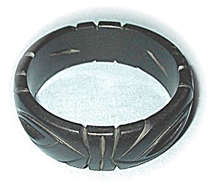 WOW Deeply Carved Black Bakelite Bangle (Image1)