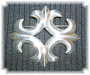 Large Antique Silver Sandcast Brooch (Image1)