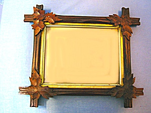 Picture Frame Wood with Oak Leaf Corners (Image1)
