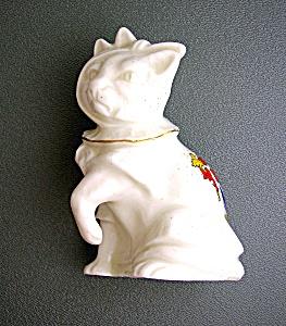 Porcelain Cat Torquay England (Image1)