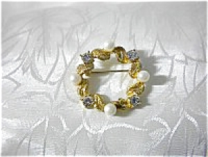 Pearls Faux Gold Leaves Crystals Brooch (Image1)