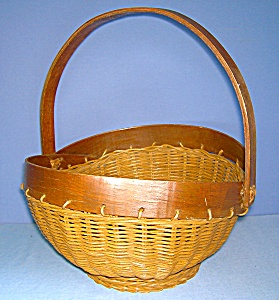 Wicker and Wood Handmade Basket (Image1)