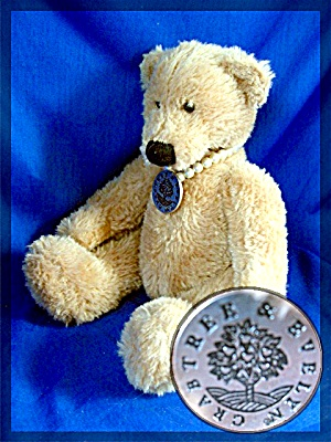 Russ Berrie Teddy Bear - Crabtree And Evelyn - 9 Inches