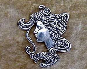 Sterling Silver Antique Cameo Face Pendant (Image1)