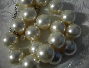 Pearls16 Inch & 3/4 Inch Strand Hand Knotted Faux