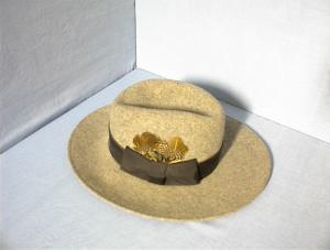 Grey 100% Grey Wool Felt Ladies Hat. (Image1)
