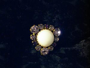 Vintage Purple Rhinestone Brooch, Pin. (Image1)