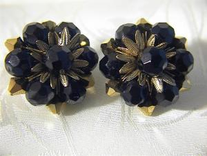 Vintage Black and Golden Glass Clip Earrings. (Image1)