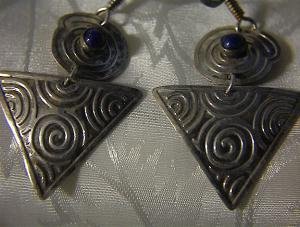 Hammered Silvertone Cabochon Blue Stone Earring