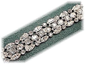 Sparkling Vintage KRAMER Crystal Bracelet (Image1)