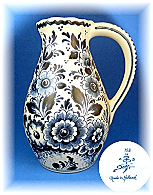 Delft Blue pitcher made in Holland  (Image1)