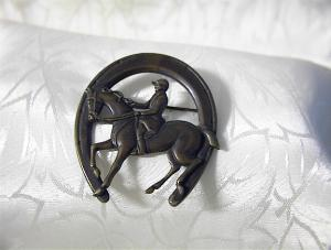 Horseshoe Brooch Horse and Rider Horseshoe Brooch (Image1)