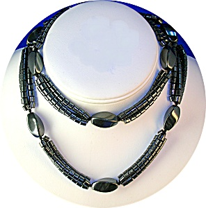 28 Inch 3 Strand Grey  HEMATITE Bead Necklace (Image1)