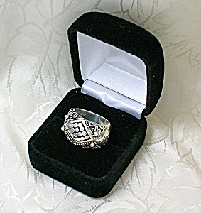 Sterling Silver Scrolled Ornate Ring . . . . . .
