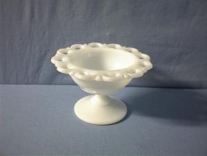 Footed Lace Edge Milkglass Candy Dish (Image1)