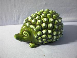 BANK - Hedgehog Green Majolica? Money Box - English . . (Image1)
