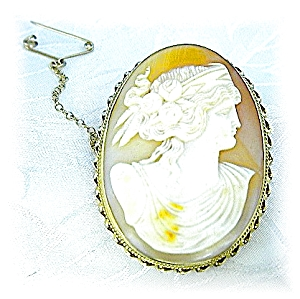 Brooch 14K Gold Handcarved Shell Cameo (Image1)