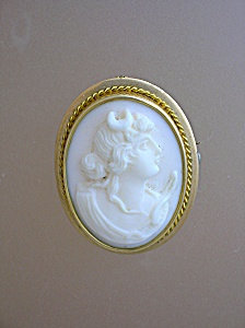 Brooch 10k-14K  Gold  Angel Skin Cameo (Image1)