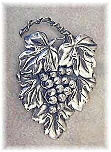 Fab Sterling Silver CORO Large Grape Pin (Image1)