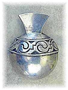 VICTORIA Mexico Sterling Silver Posy Holder Brooch (Image1)