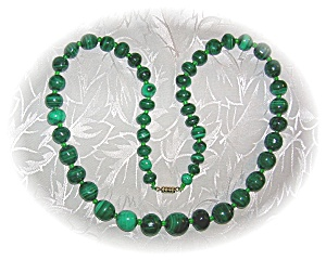 FAB 21 Inch Graduated Malachite Necklace (Image1)