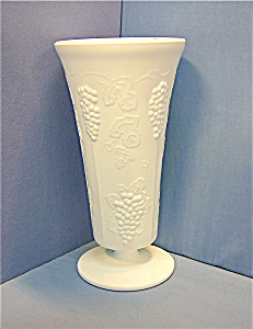 Milk Glass Indiana White Paneled Grape Flower Vase (Image1)