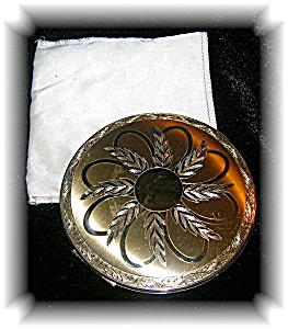 Compact Vintage Elgin American Powder  (Image1)