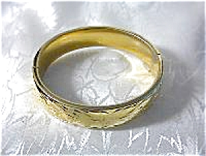 Patterned APIER Gold Plate Bangle Bracelet (Image1)
