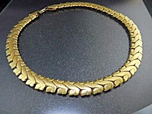 NAPIER Gold  Leaves Necklace Pat Pending (Image1)