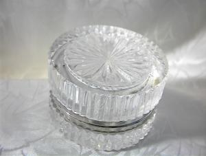 English Crystal Hinged Royal Doulton Box (Image1)