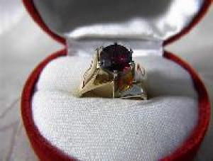14K Gold 2 ct  Rhodonite Garnet Ring  (Image1)