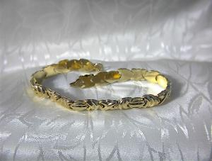 Bracelet 10K Yellow Gold X Design  Hinged   (Image1)