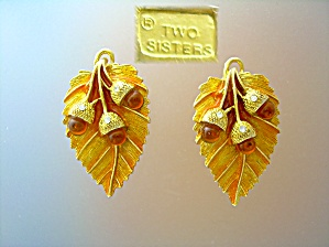 Goldtone Two Sisters Clip Earrings Amber Oak Leaf