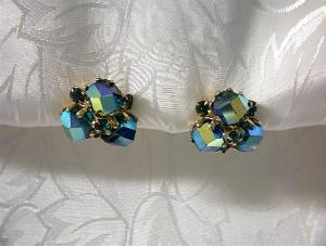 Claw Set Irridescent Green Vogue Clip Earrings