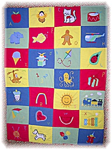HANDMADE BABY CRIB ALPHABET QUILT (Image1)