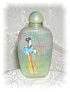 Snuff Bottle Glass Reverse Painted Lady Figure