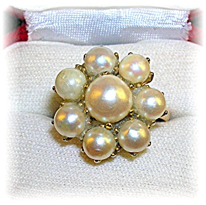 Genuine Pearl Cluster Ring With 8 Lustrous Pearls . . .