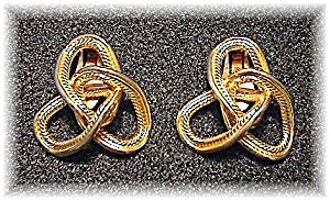 Large Goldtone BERGERE Clip Earrings (Image1)