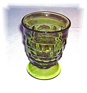 AVACADO GREEN FOOTED Wine GlassWHITEHALL (Image1)