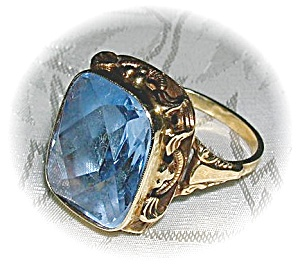 Ring Antique 10K Gold With Large Blue Stone  (Image1)
